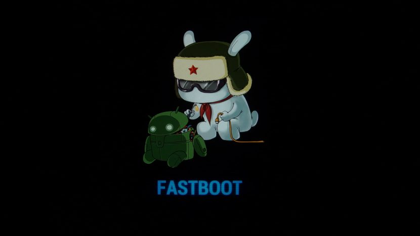 заяц в ушанке от Xiaomi в режиме Fastboot